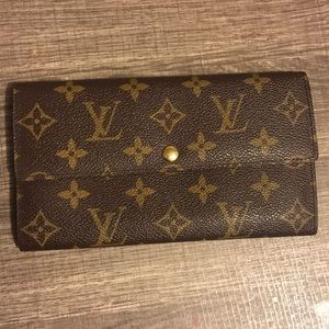 💎LIKE NEW💎Louis Vuitton wallet